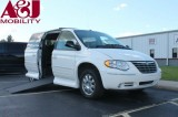 2007 Chrysler Town & Country Limited Wheelchair van for sale