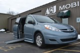 2007 Toyota Sienna LE Wheelchair van for sale