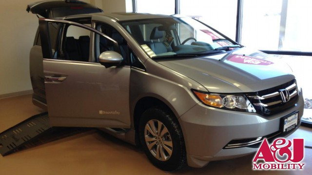 2016 Honda Odyssey BraunAbility Entervan II Wheelchair Van For Sale
