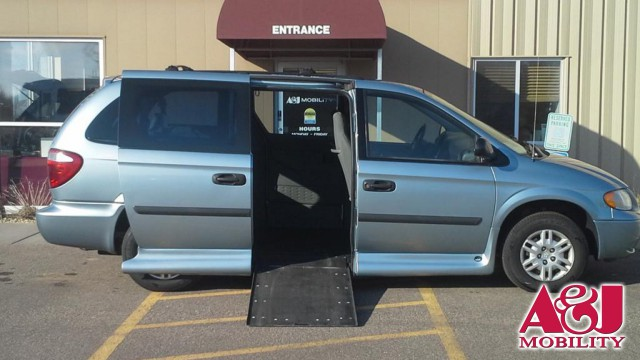 2005 Dodge Grand Caravan VMI Dodge Northstar Wheelchair Van For Sale