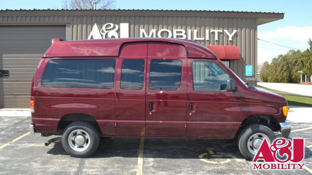 2007 Ford E-Series Wagon E-150 Non Branded Full Size Van Conversion Wheelchair Van For Sale