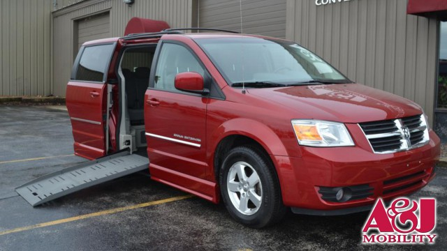 2009 Dodge Grand Caravan BraunAbility Dodge Entervan II Wheelchair Van For Sale