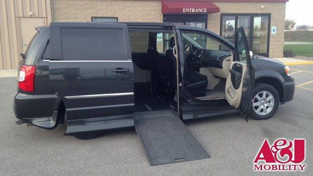 2011 Chrysler Town and Country VMI Chrysler Northstar Wheelchair Van For Sale