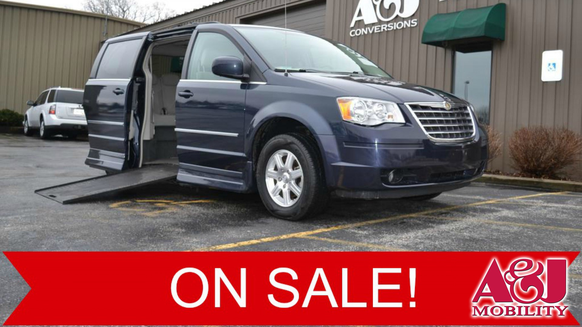 wheelchair van for sale 2009 chrysler town and country stock 9r554353 a j mobility. Black Bedroom Furniture Sets. Home Design Ideas