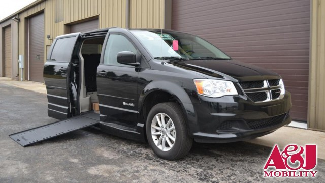 2016 Dodge Grand Caravan BraunAbility Dodge Entervan Xi Infloor Wheelchair Van For Sale
