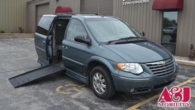 2007 Chrysler Town and Country Rollx Vans Rollx In Floor Chrysler Wheelchair Van For Sale