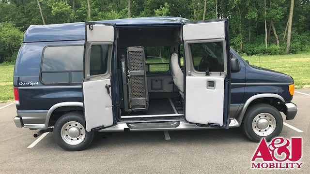 2006 FORD E-250 Non Branded Full Size Van Conversion Wheelchair Van For Sale