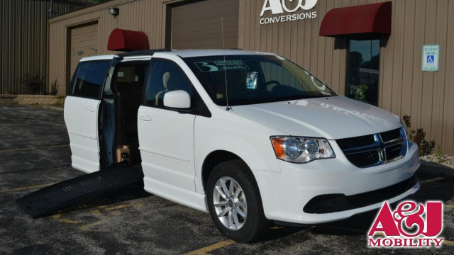 2016 Dodge Grand Caravan BraunAbility Dodge Entervan II Wheelchair Van For Sale