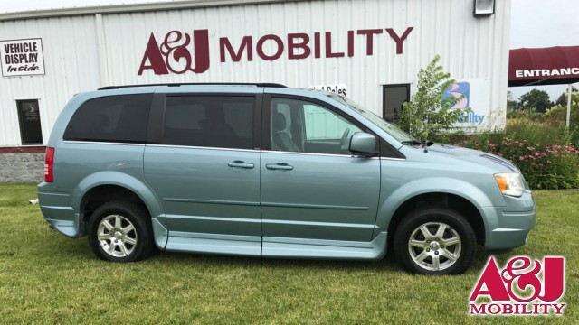 2008 Chrysler Town and Country Rollx Vans Rollx Fold Out Chrysler Wheelchair Van For Sale
