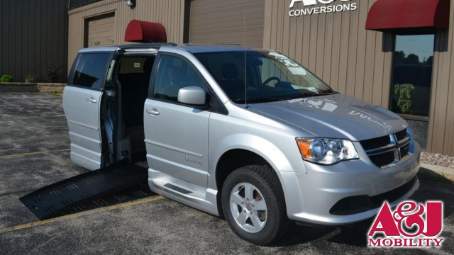 2012 Dodge Grand Caravan BraunAbility Dodge Entervan XT Wheelchair Van For Sale