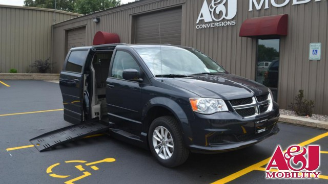 2013 Dodge Grand Caravan BraunAbility Dodge Entervan XT Wheelchair Van For Sale