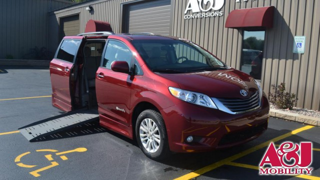 2011 Toyota Sienna BraunAbility Rampvan XT Wheelchair Van For Sale