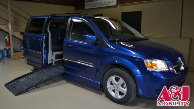 2010 Dodge Grand Caravan BraunAbility Dodge Entervan II Wheelchair Van For Sale
