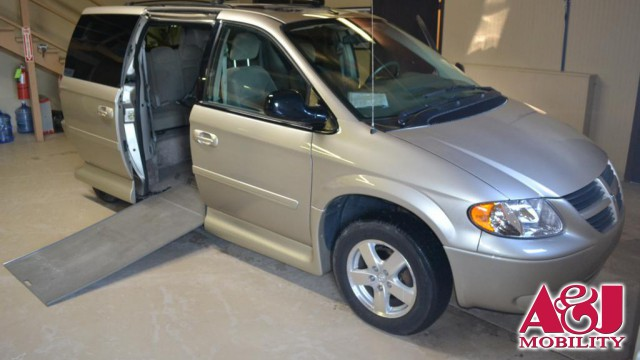 2007 Dodge Grand Caravan VMI Dodge Northstar Wheelchair Van For Sale