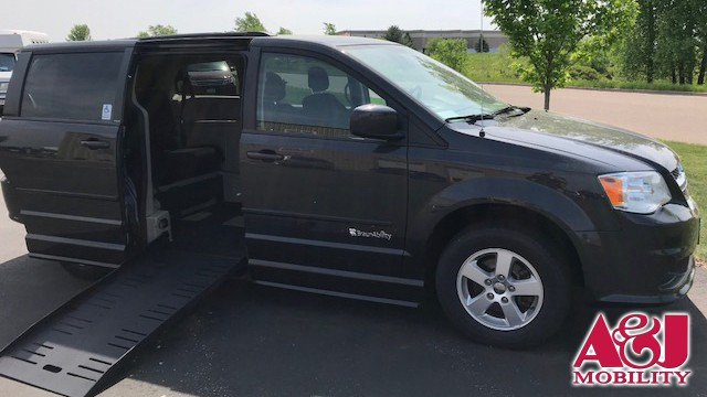 2012 Dodge Grand Caravan BraunAbility Dodge Entervan II Wheelchair Van For Sale