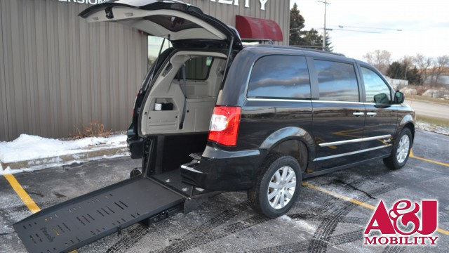 2015 Chrysler Town and Country BraunAbility Chrysler Manual Rear Entry Wheelchair Van For Sale
