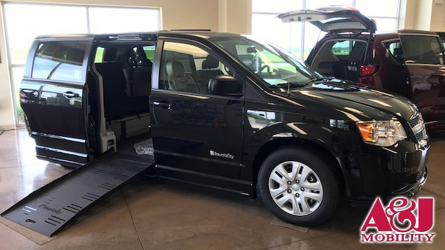 2018 Dodge Grand Caravan BraunAbility Dodge Entervan II Wheelchair Van For Sale