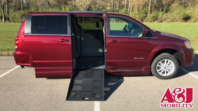 2018 Dodge Grand Caravan BraunAbility Dodge Entervan XT Wheelchair Van For Sale