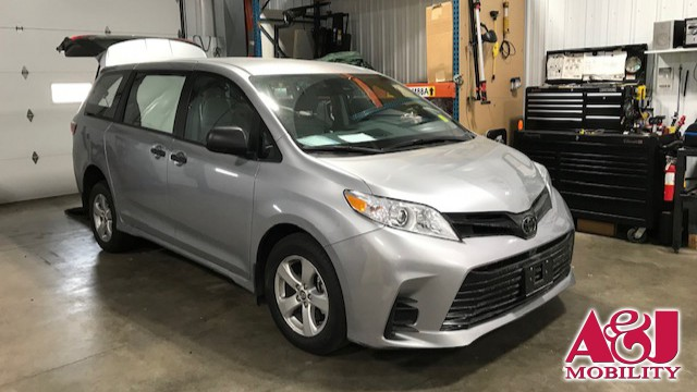 2018 Toyota Sienna Non Branded Please See Description Wheelchair Van For Sale