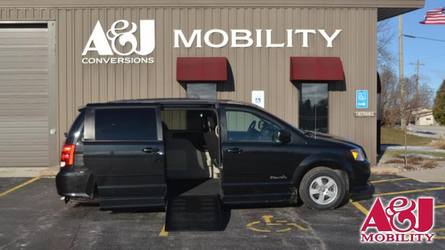 2013 Dodge Grand Caravan BraunAbility Dodge Entervan II Wheelchair Van For Sale