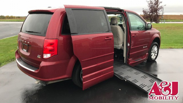 Used 2016 Dodge Grand Caravan.  ConversionBraunAbility Dodge Entervan XT