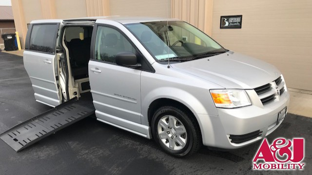 Used 2010 Dodge Grand Caravan.  ConversionBraunAbility Dodge Entervan II