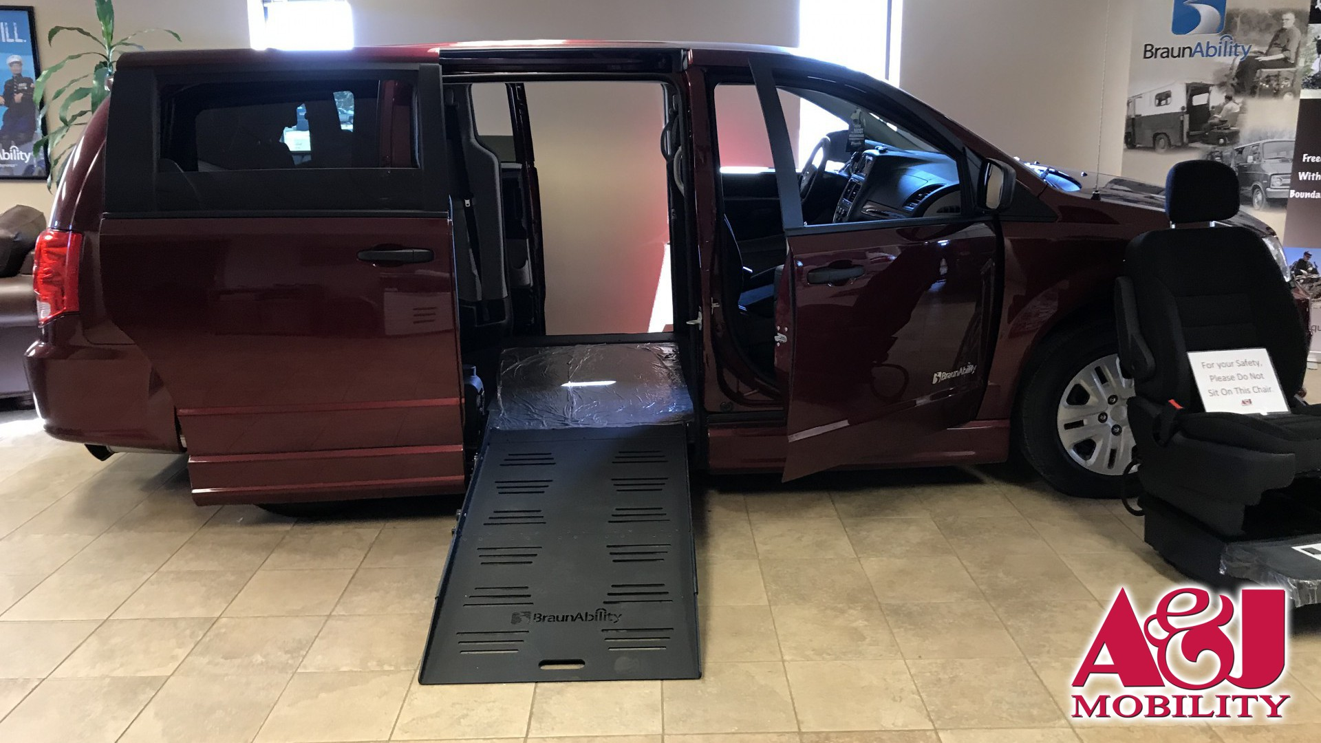 2019 Dodge Grand Caravan | Conversion: BraunAbility Dodge Entervan II