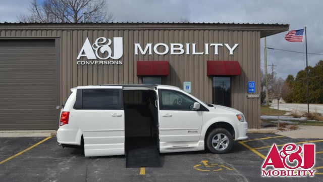 Used 2012 Dodge Grand Caravan.  ConversionBraunAbility Dodge Entervan XT