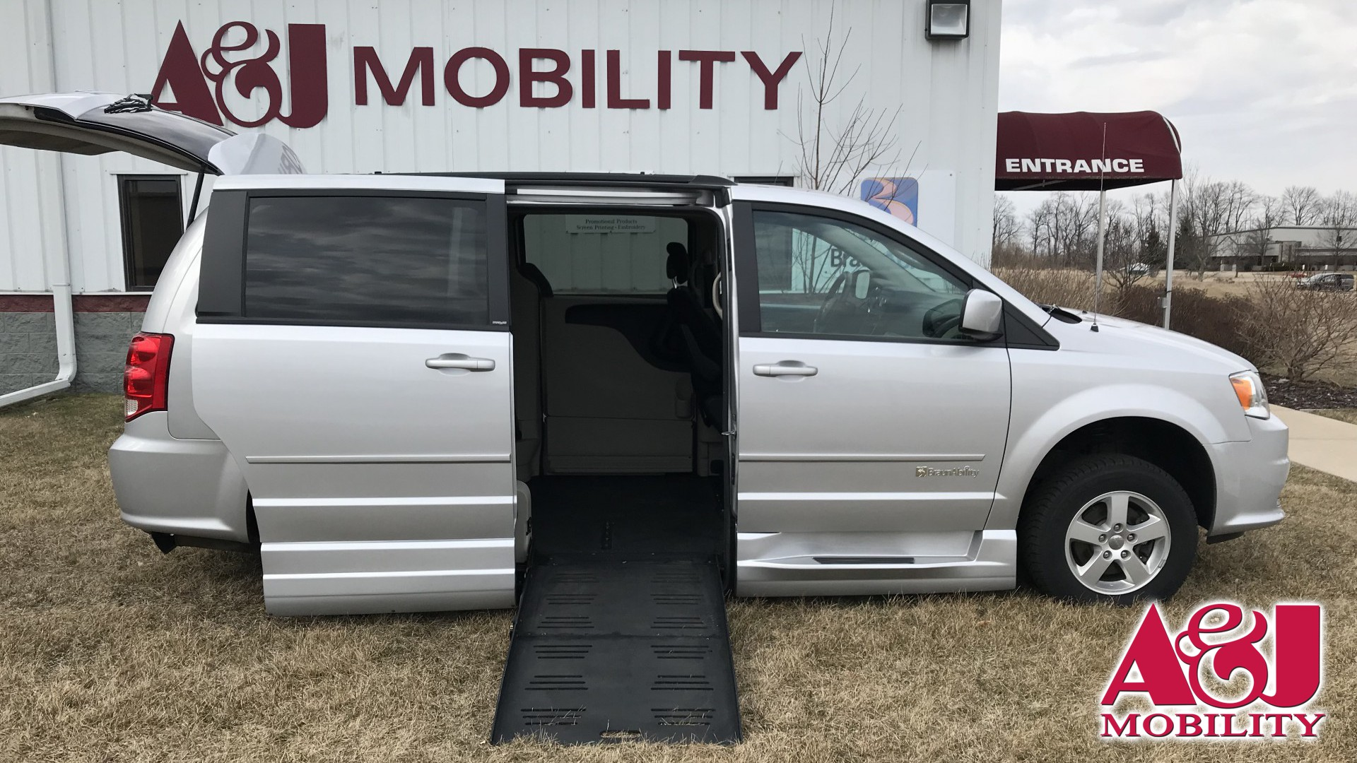 2012 Dodge Grand Caravan | Conversion: BraunAbility Dodge Entervan XT