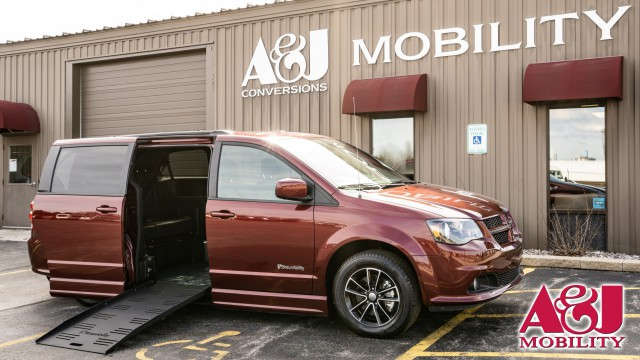 Used 2018 Dodge Grand Caravan.  ConversionBraunAbility Dodge Entervan II