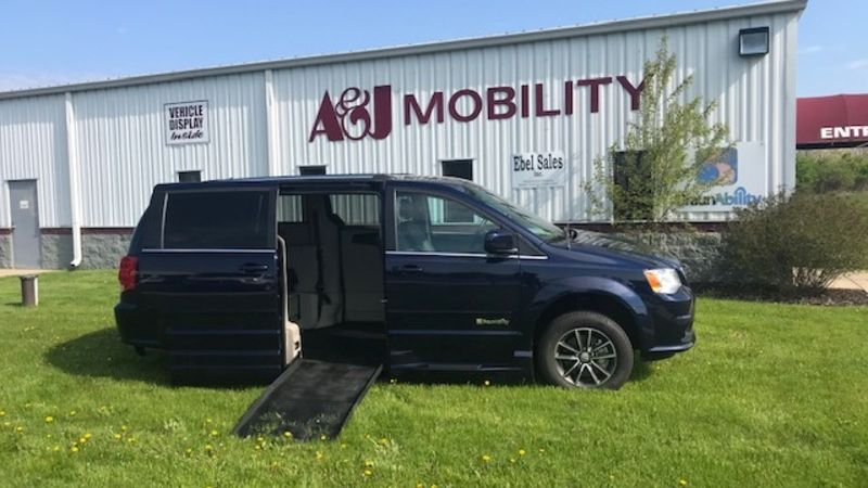 Used 2017 Dodge Grand Caravan.  ConversionBraunAbility Dodge Entervan XT