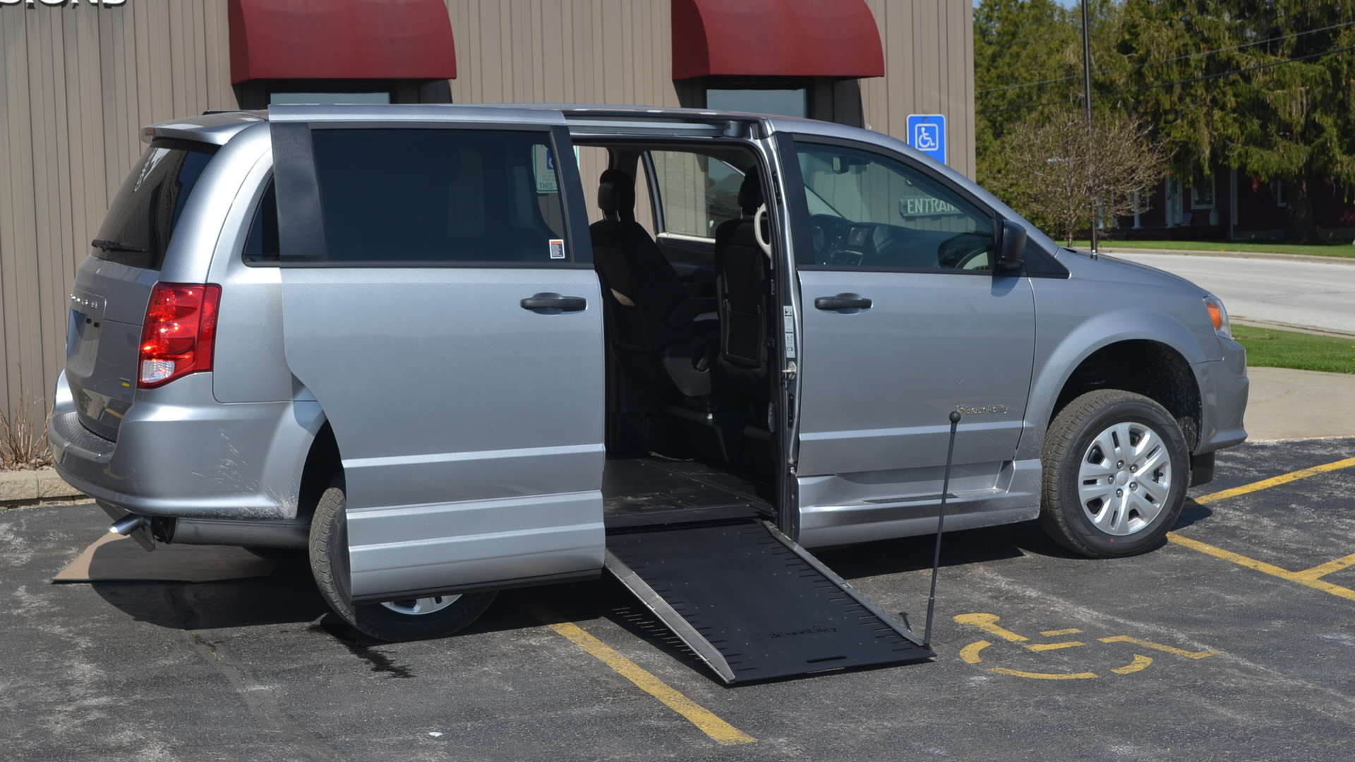 2019 Dodge Grand Caravan | Conversion: Commercial Vans Dodge ADA Entervan