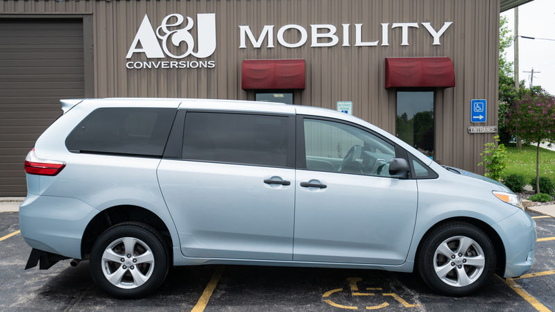 Used 2015 Toyota Sienna.  ConversionFreedom Motors Manual Toyota Rear Entry