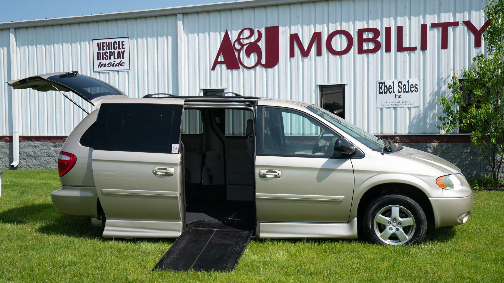 2007 Dodge Grand Caravan | Conversion: Rollx Vans Rollx In Floor Dodge
