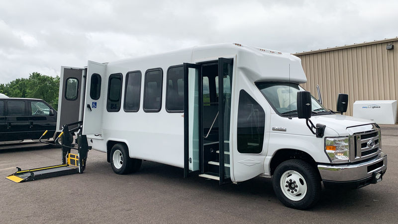 New 2018 Ford E-450.  ConversionDiamond Coach VIP 2500