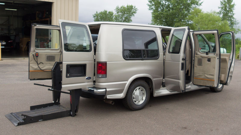 Used 2002 Ford Econoline Wagon.  ConversionFull Size Van Conversion