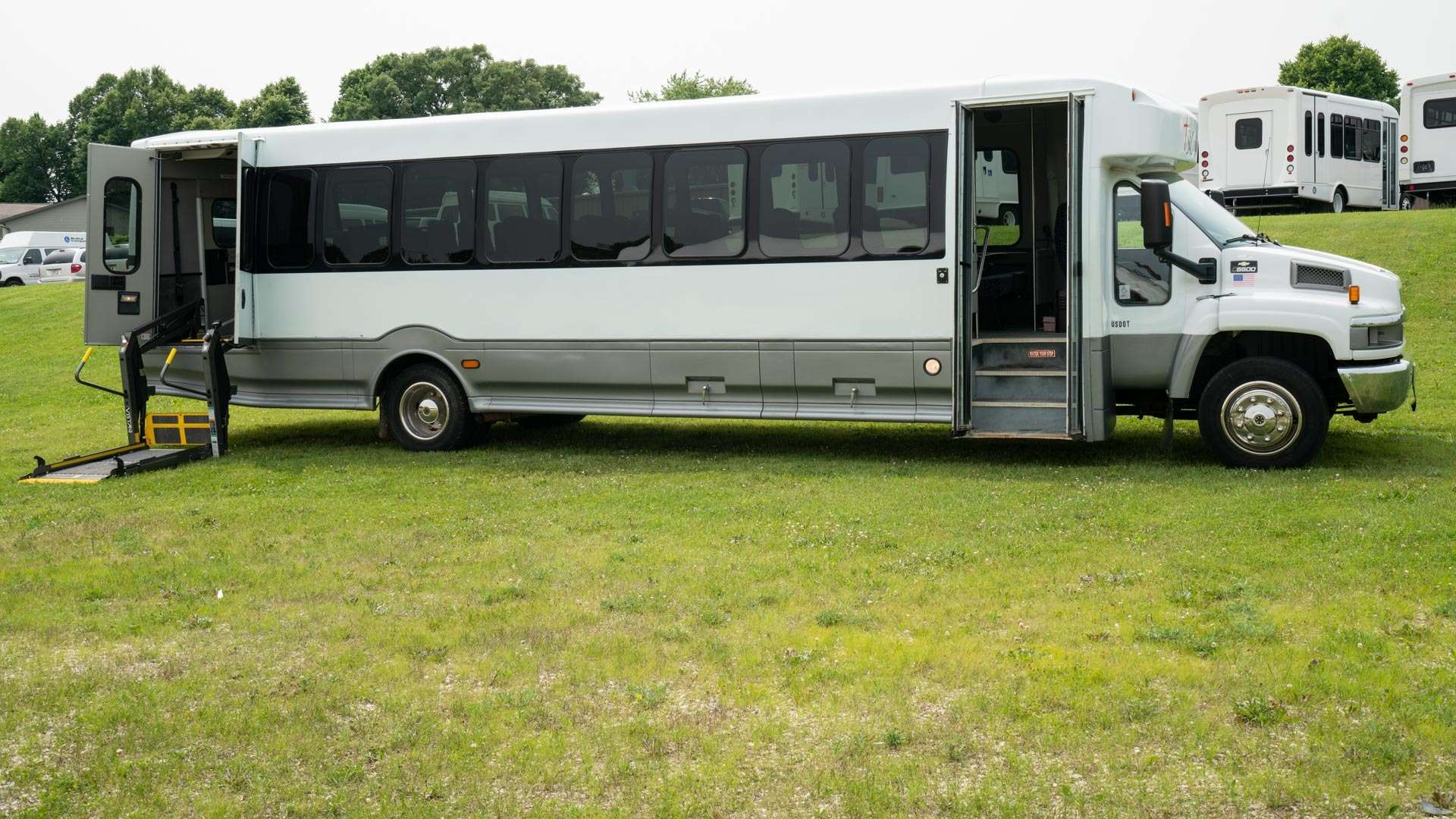 2008 Chevrolet C-5500 | Conversion: ADA Wheelchair Accessible Bus