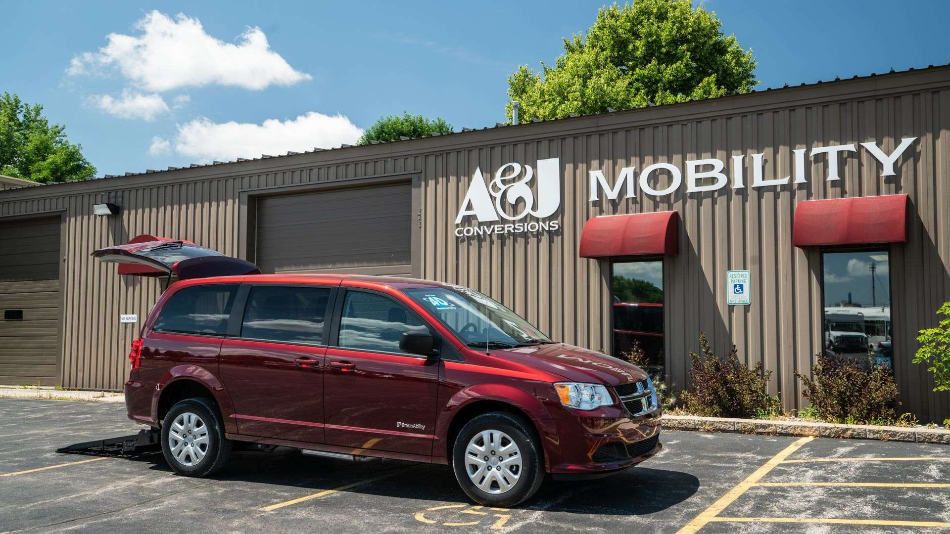 2018 Dodge Grand Caravan | Conversion: BraunAbility Dodge Power Rear Entry