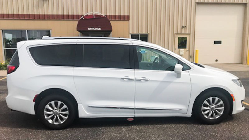 Used 2018 Chrysler Pacifica.  ConversionBraunAbility Chrysler Pacifica Foldout