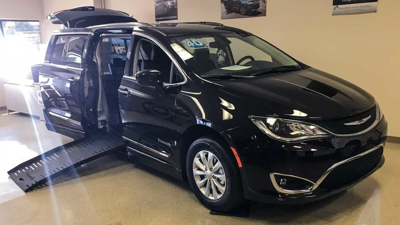 New 2019 Chrysler Pacifica.  ConversionBraunAbility Chrysler Pacifica Foldout