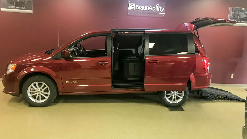 Used 2016 Dodge Grand Caravan.  ConversionBraunAbility Dodge Manual Rear Entry