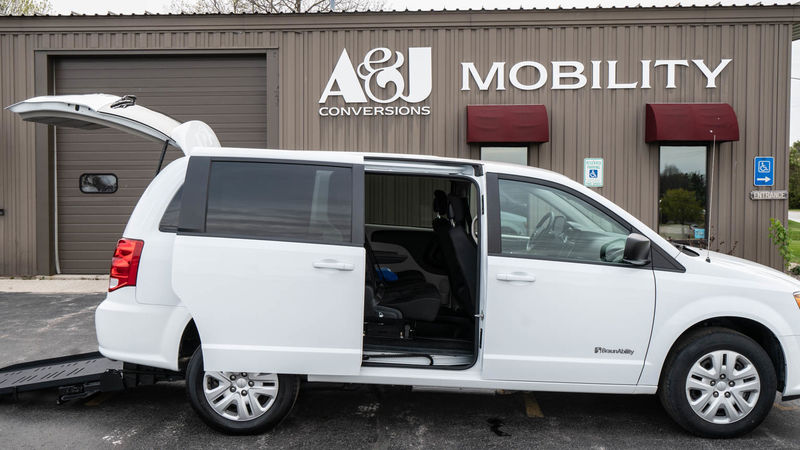 Used 2018 Dodge Grand Caravan.  ConversionBraunAbility Dodge Manual Rear Entry
