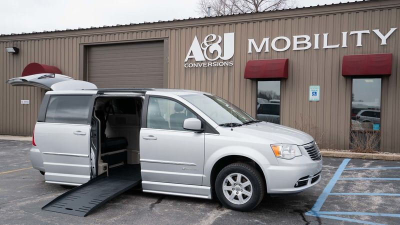 Used 2012 Chrysler Town and Country.  ConversionBraunAbility Chrysler Entervan II