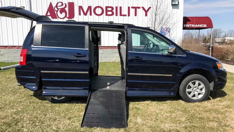 Used 2010 Chrysler Town and Country.  ConversionRollx Vans Rollx Fold Out Chrysler