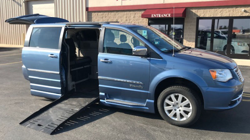 Used 2012 Chrysler Town and Country.  ConversionBraunAbility Chrysler Entervan XT