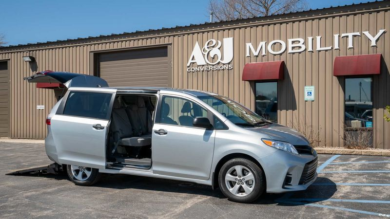 New 2020 Toyota Sienna.  ConversionFreedom Motors Manual Toyota Rear Entry