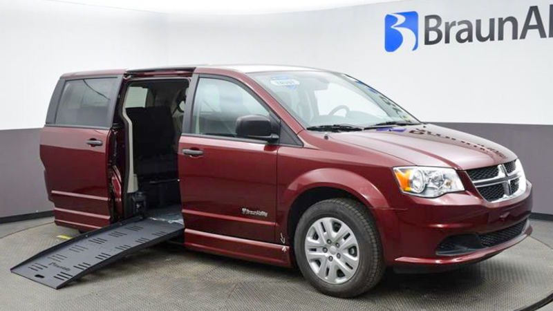 2020 Dodge Grand Caravan | Conversion: BraunAbility Dodge Entervan II