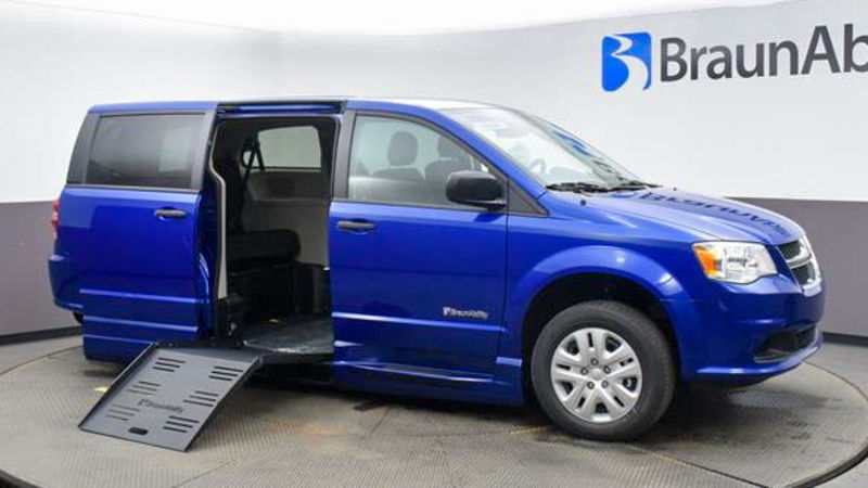 2020 Dodge Grand Caravan | Conversion: BraunAbility Dodge Entervan XT