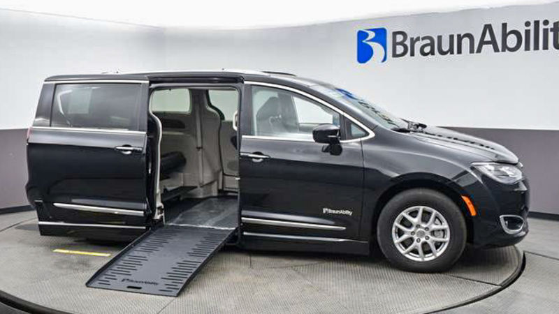 Used 2020 Chrysler Pacifica.  ConversionBraunAbility Chrysler Pacifica Foldout
