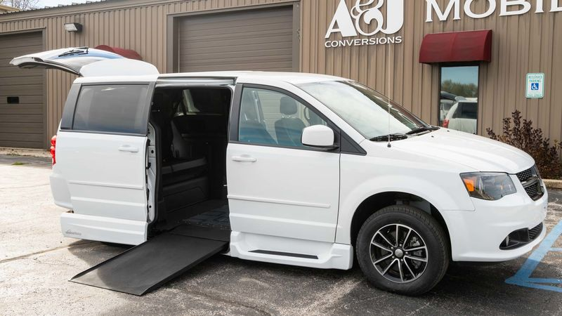 Used 2015 Dodge Grand Caravan.  ConversionVMI Dodge Northstar